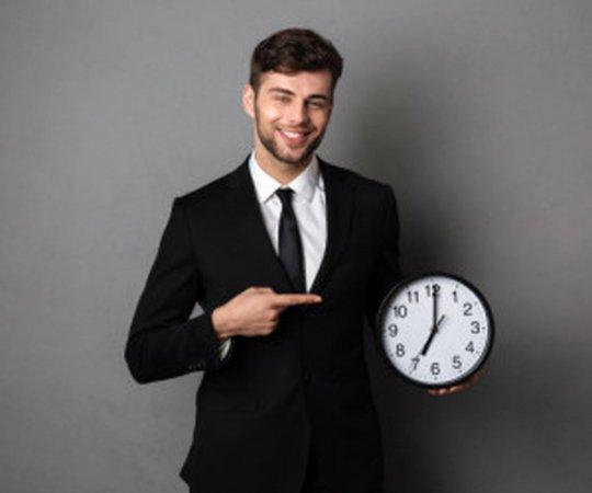 آشنایی با قانون 5 ساعته افراد ثروتمند جهان