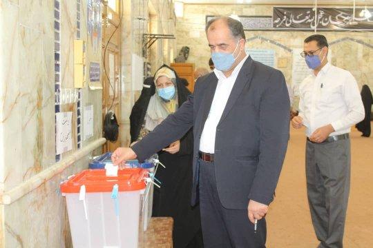 خروش حماسی مردم ولایی دشتستان در پای صندوقهای رای+گزارش تصویری